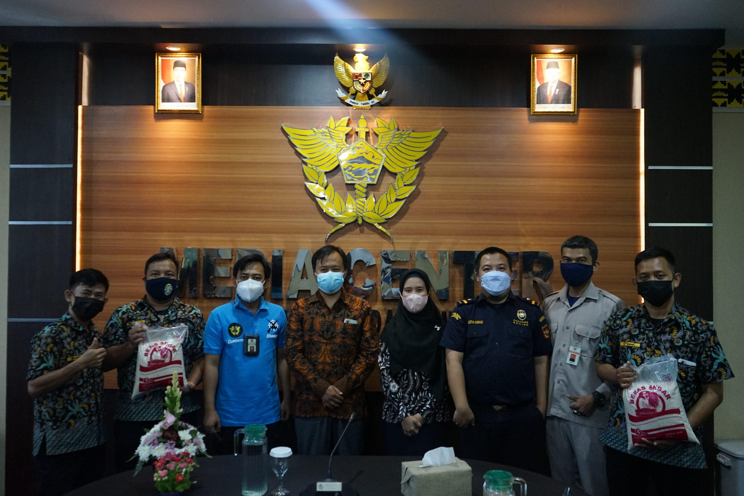 Donasi dari Yayasan Amanah Kemanusiaan dan Keadilan Lampung